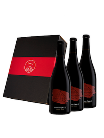 Three-bottle 2015 Pinot Noir Set in a Gift Box
