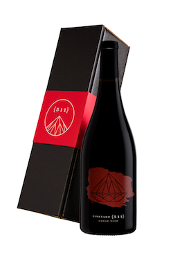 One 2017 Pinot Noir Bottle in a Gift Box